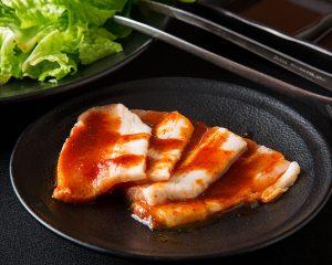 天神にある豚肉の焼肉が楽しめる【焼肉食べ放題 カルビ市場 天神店】